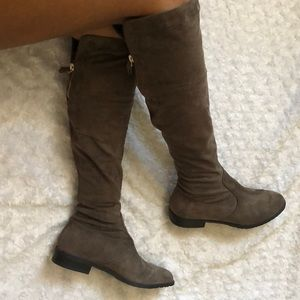 Unisa Knee High Faux Suede Brown Boots Size 6